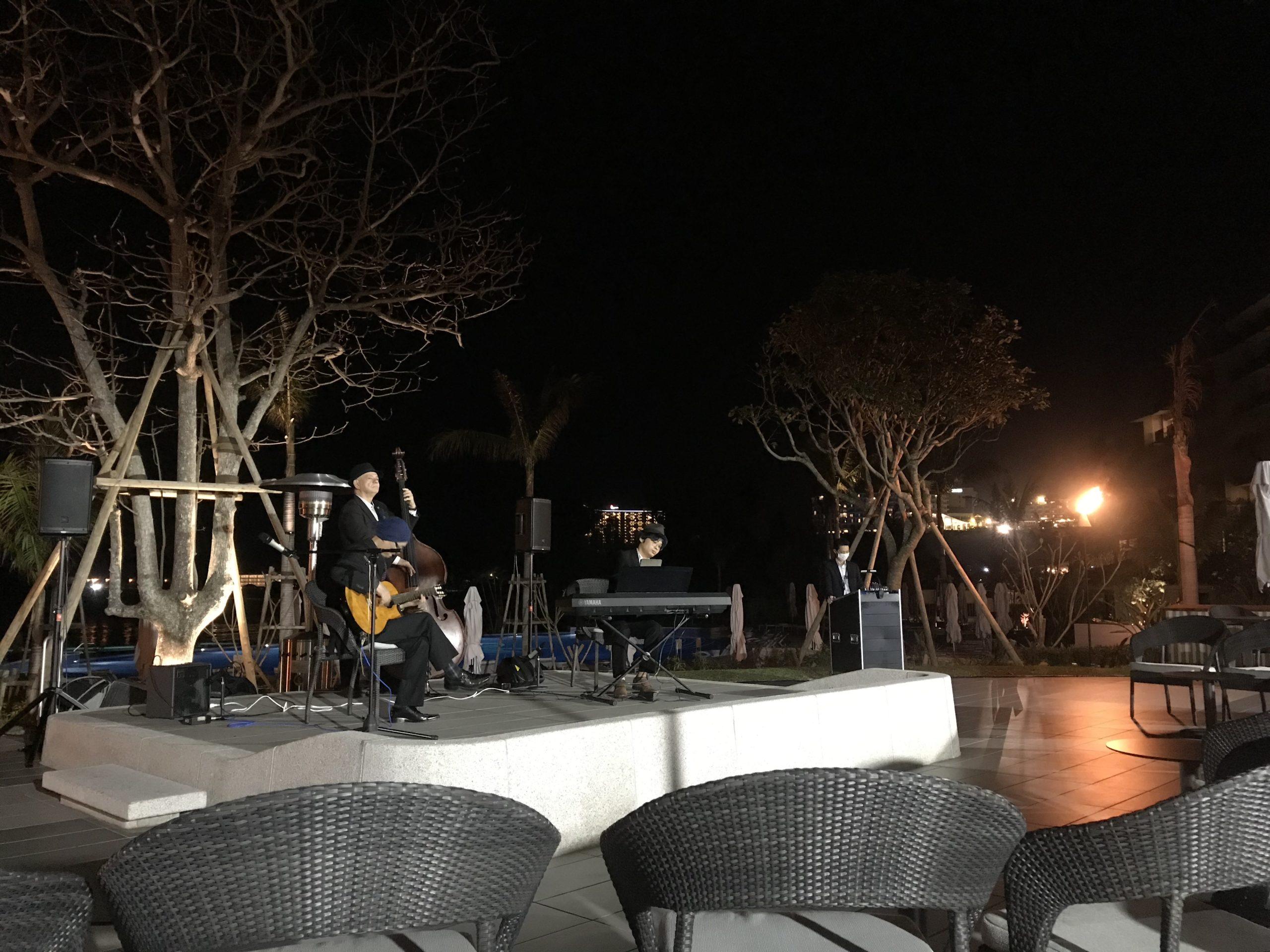 ハレクラニ沖縄「ハウスウィズアウトキー」でのディナーの様子