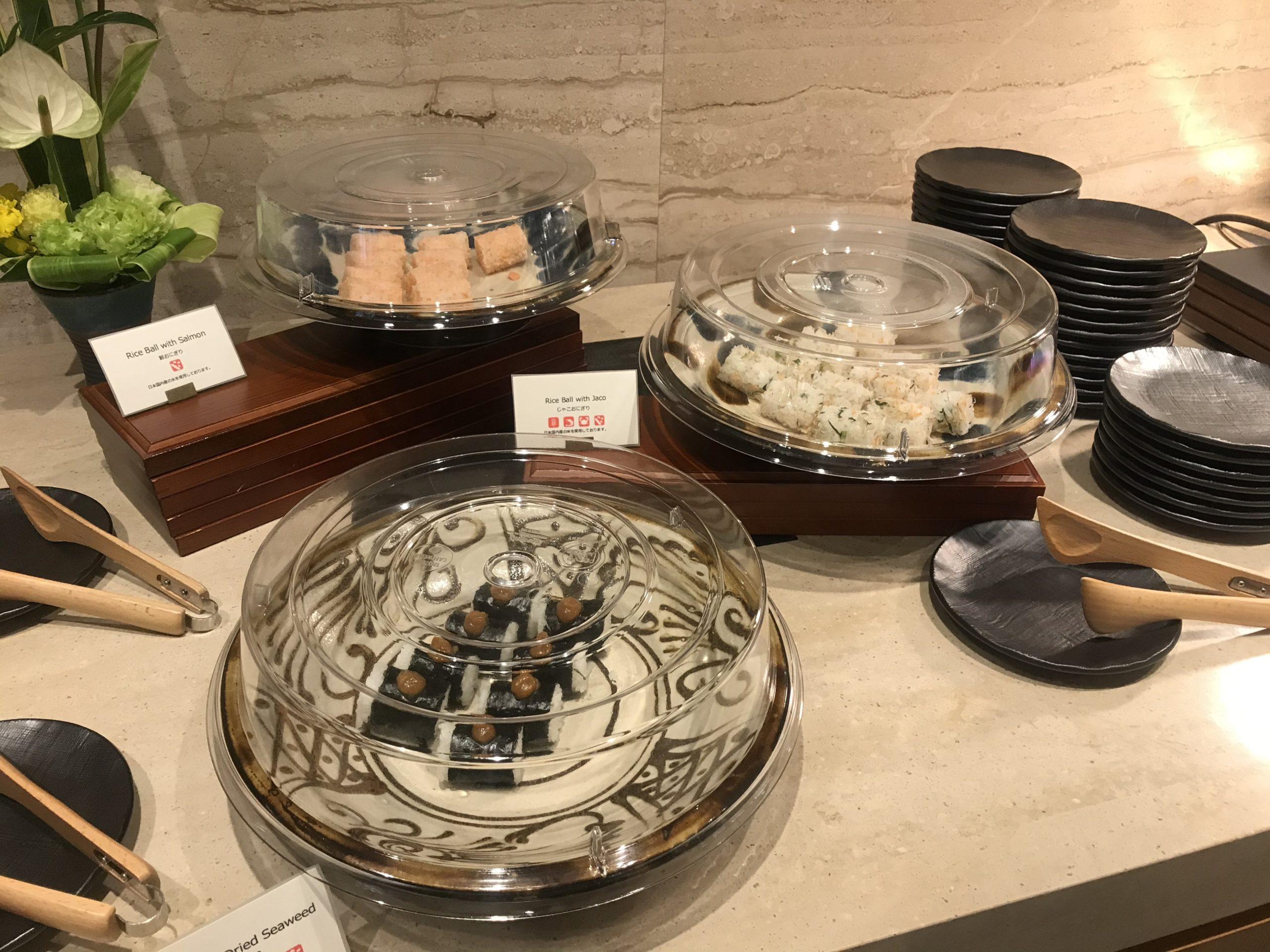 「ハレクラニ沖縄」ハウスウィズアウトキーでの朝食の様子