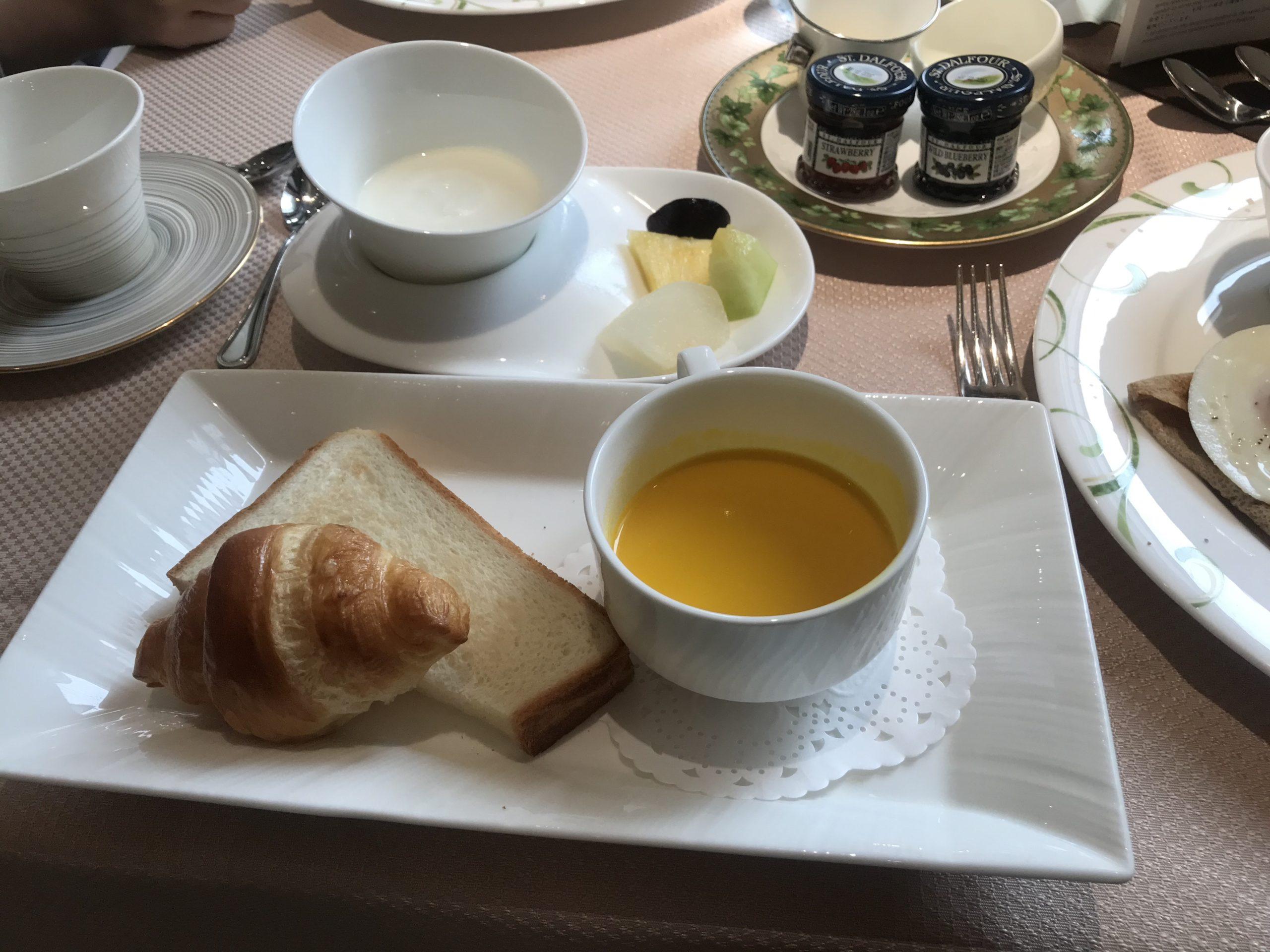 ザ・プリンス箱根芦ノ湖「ルトリアノン」朝食の様子