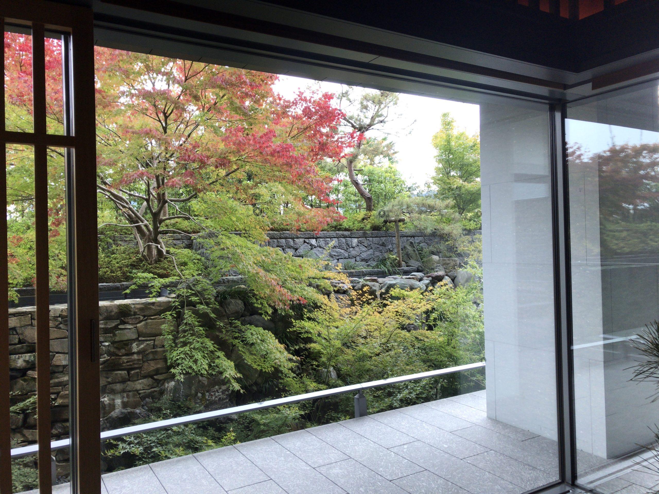 「ザリッツカールトン京都」の中庭