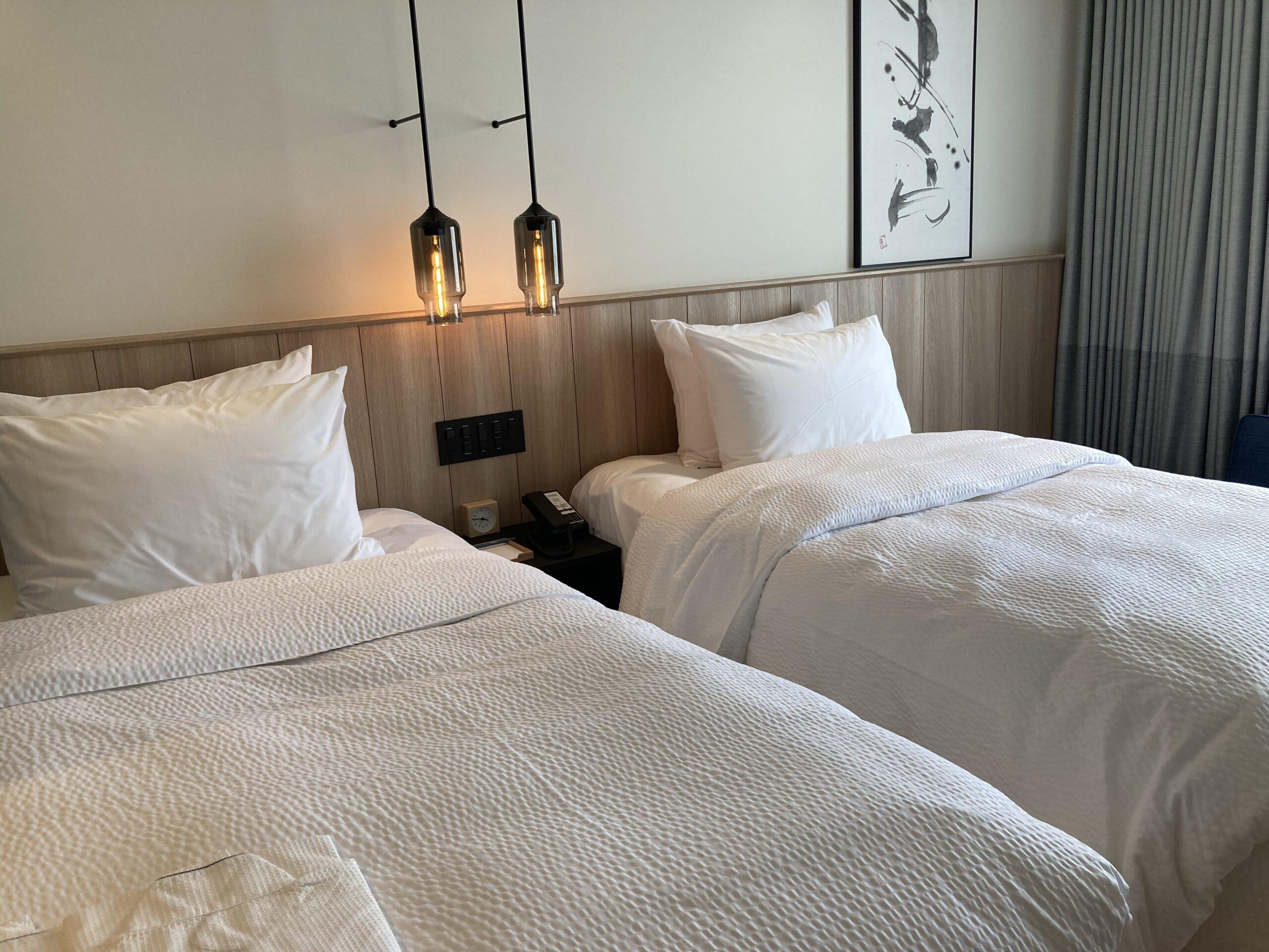 「フェアフィールドマリオット京都宮津」スタンダードツインルームのベッド