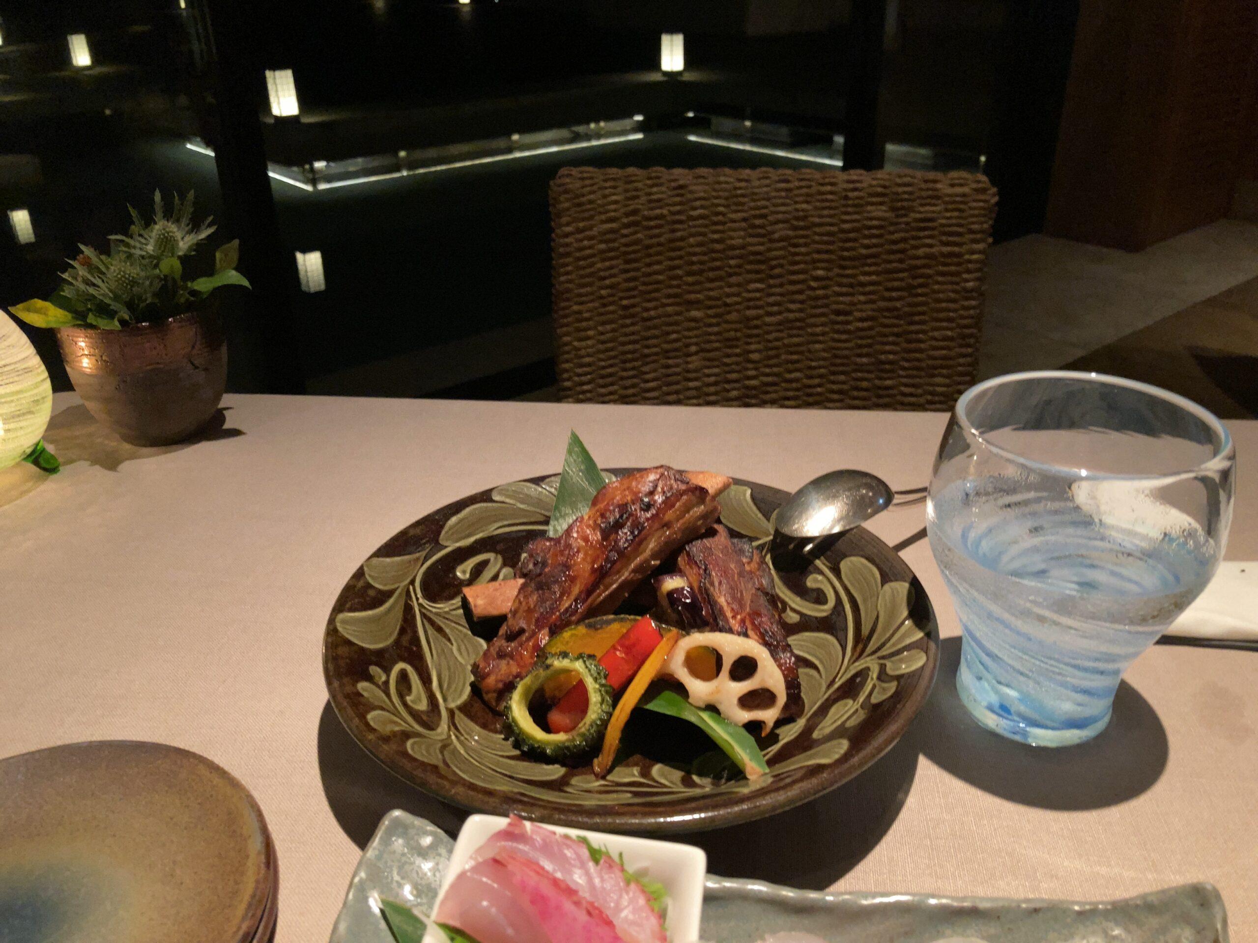 「ザリッツカールトン沖縄」「グスク」でのディナーの写真