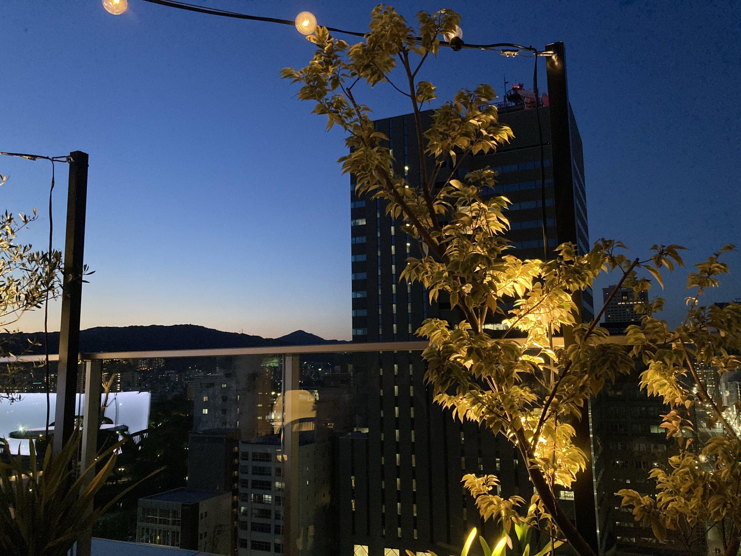 「ザノット広島」ルーフトップバーの写真