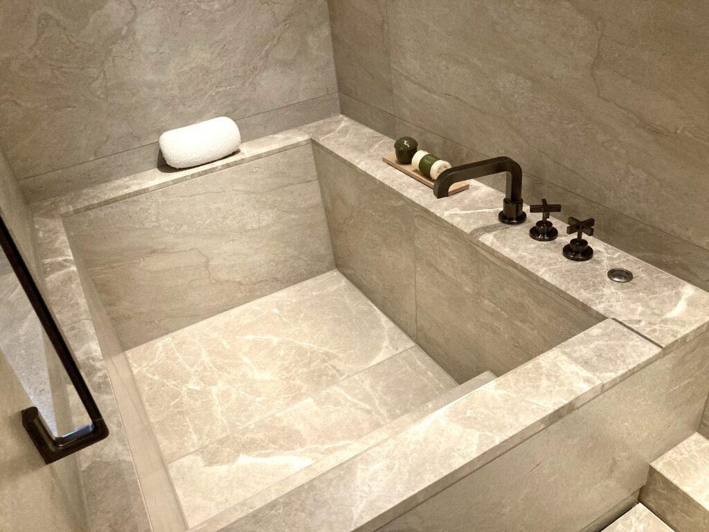「ホテルザミツイキョウト」バスルームの写真