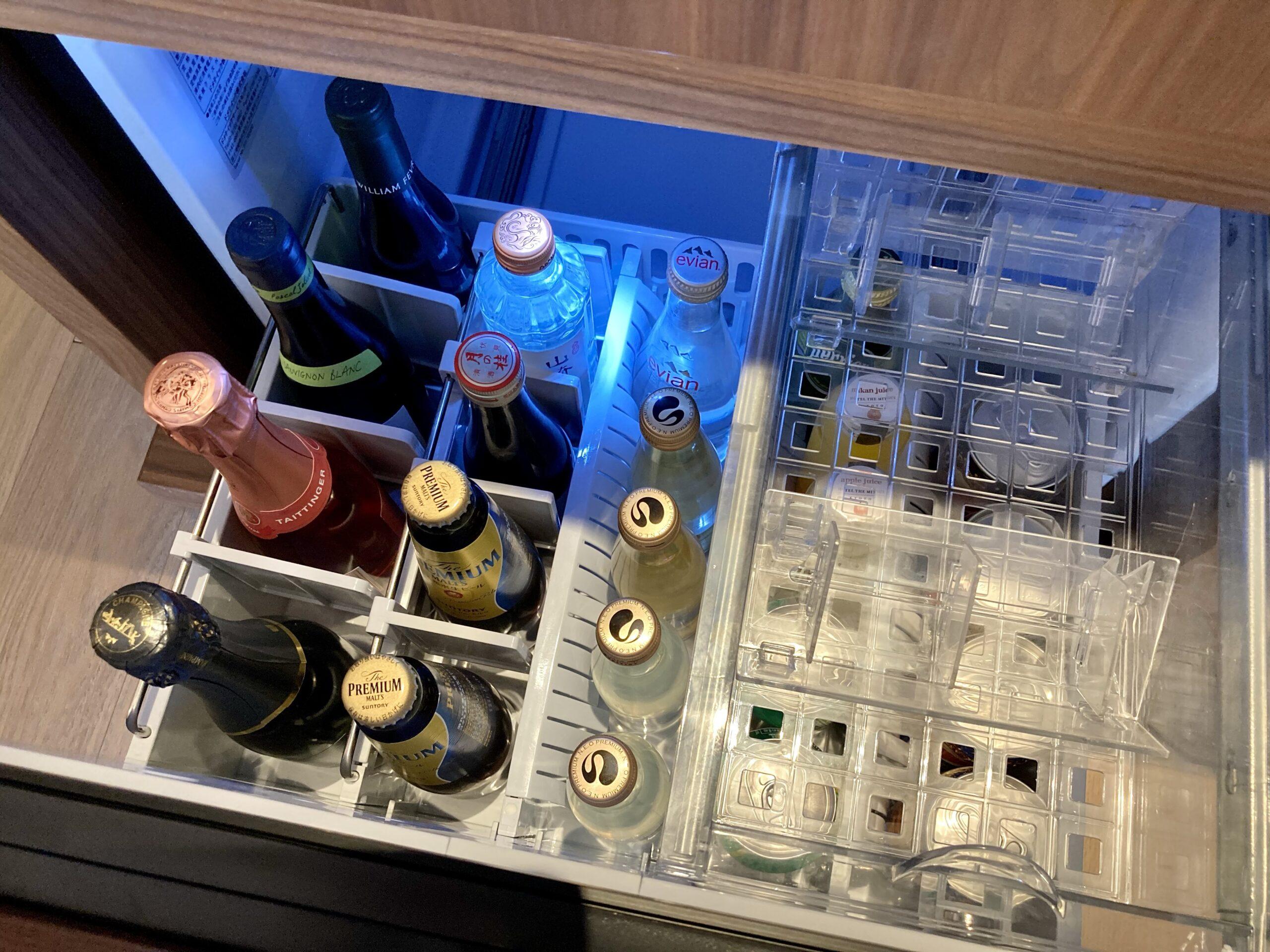 「ホテルザミツイキョウト」冷蔵庫の中の写真