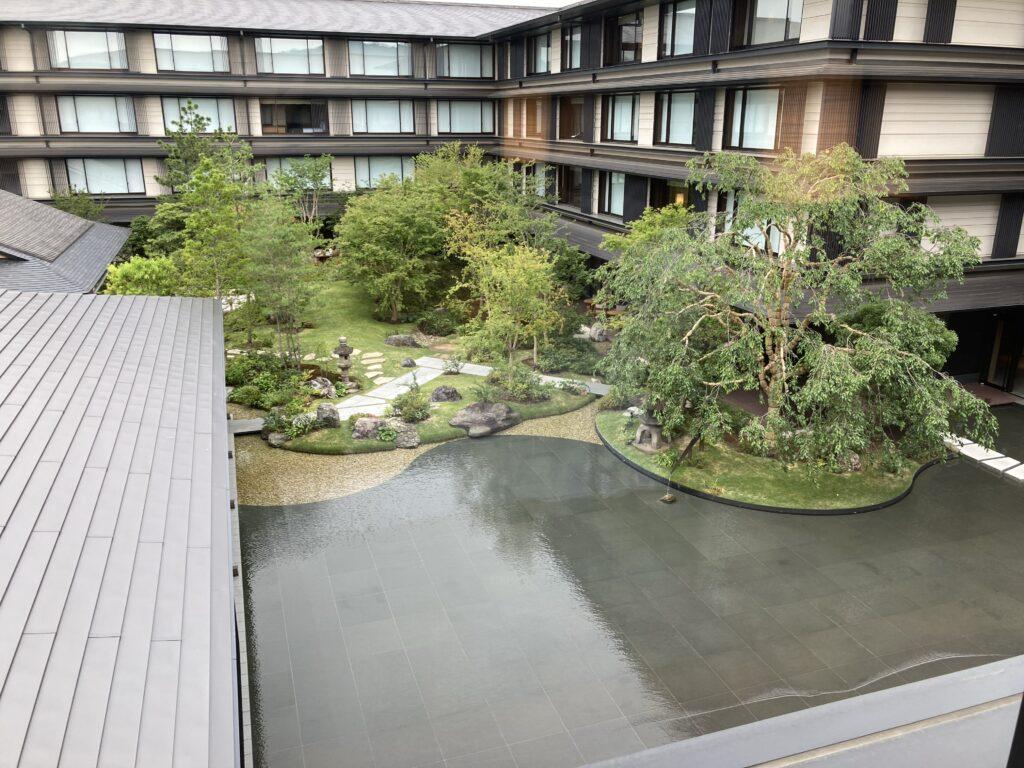 「ホテルザミツイキョウト」デラックスガーデンビューの部屋からの眺め