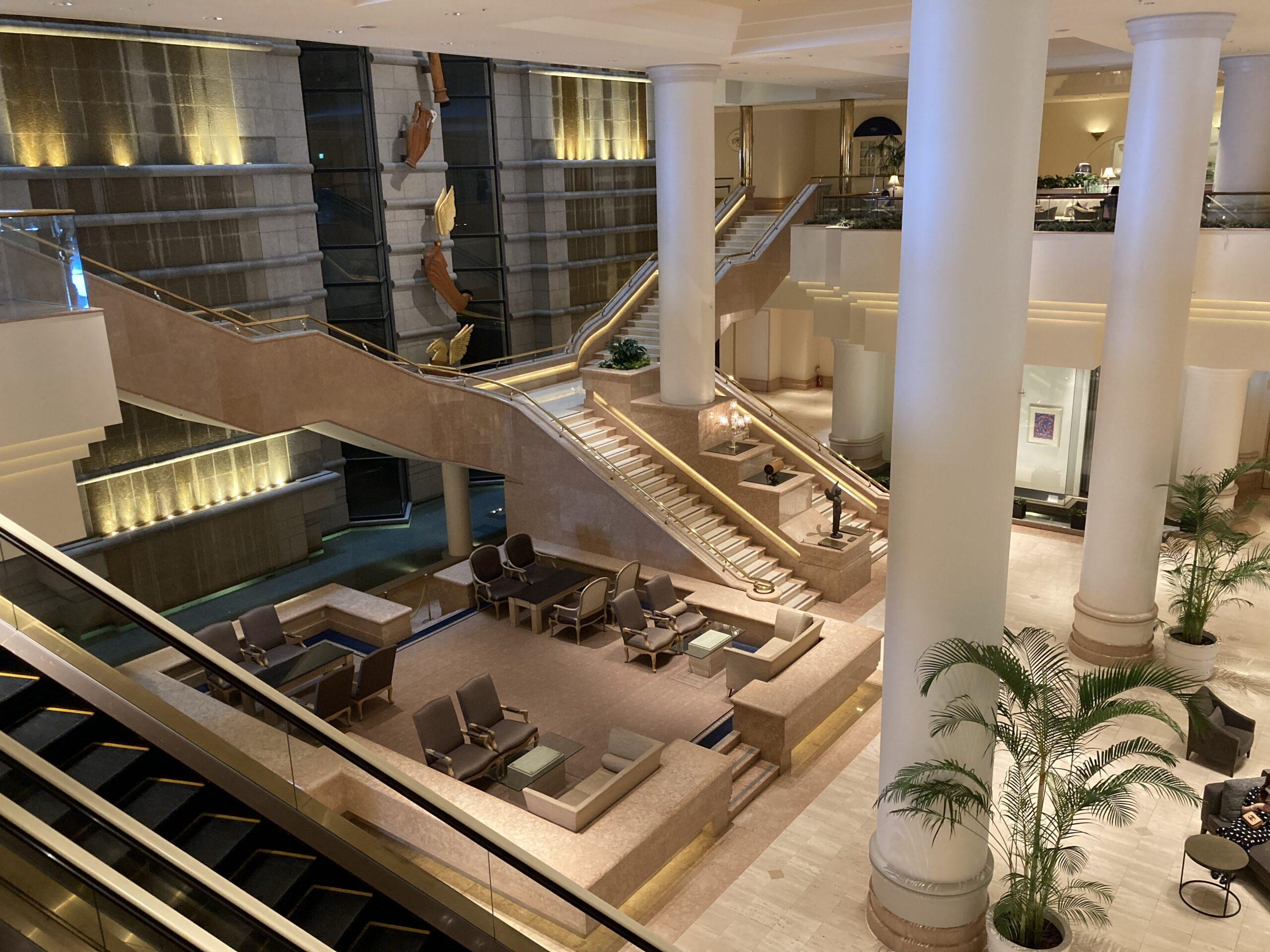 「横浜グランドインターコンチネンタルホテル」ロビーの様子