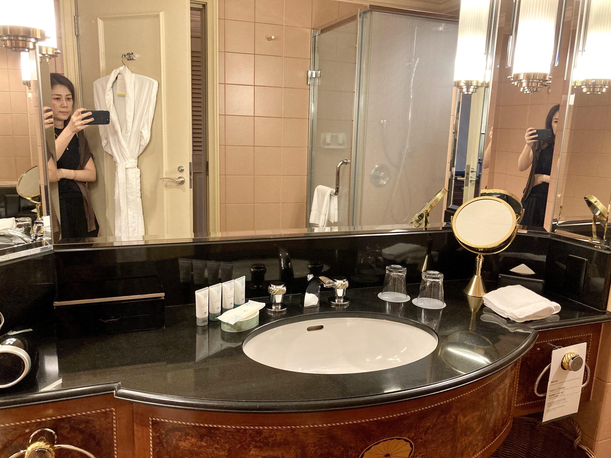 「ウェスティンホテル東京」洗面スペースの写真