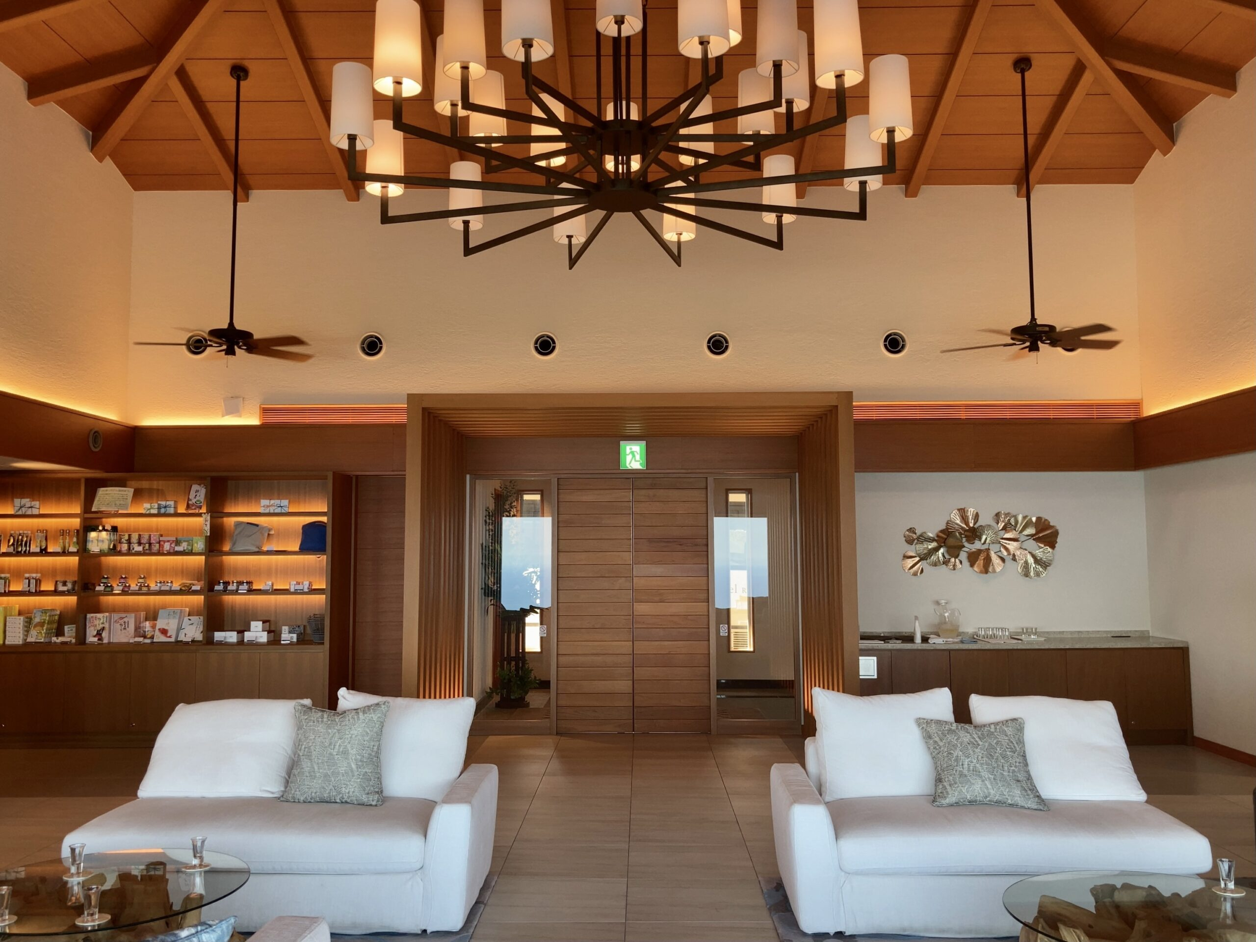 「伊豆ホテルリゾート&スパ」ロビーの写真