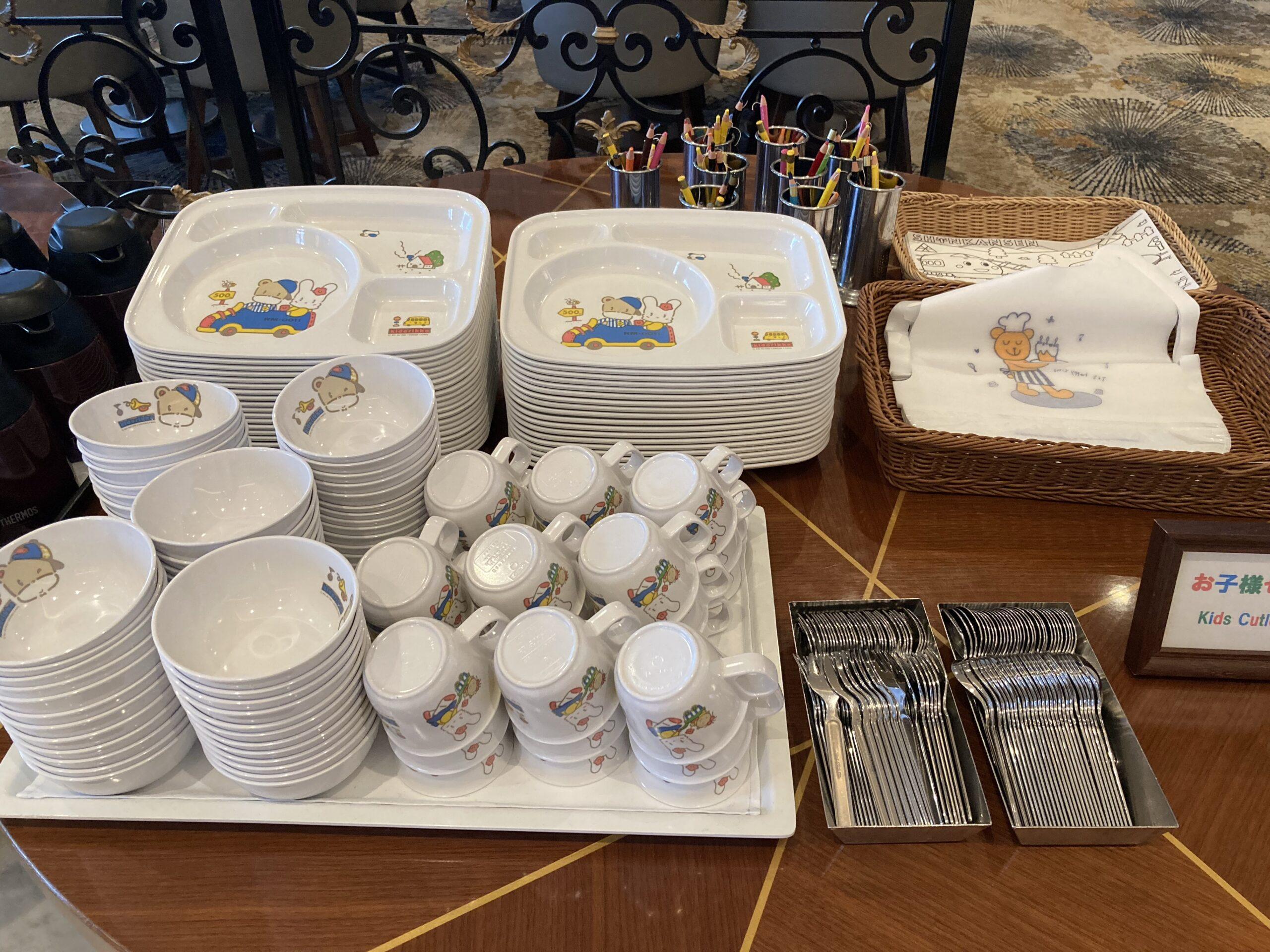 パーゴラでの朝食の様子